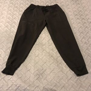 HeartSoul Jogger Scrub Pants Size S Petite 💕